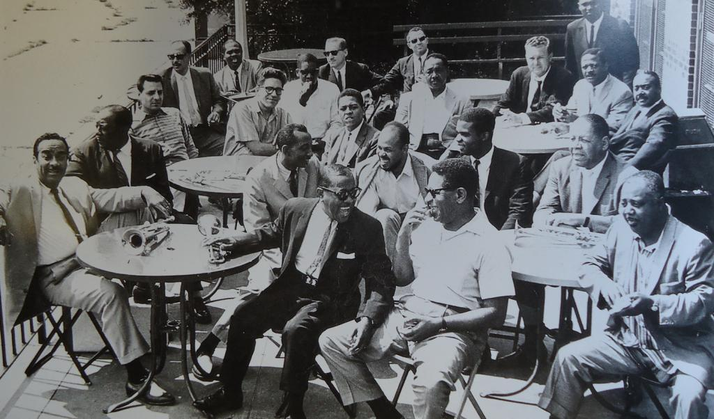 cinejazz:  Amazing photo of 22 jazz trumpmet players gathered in Central Park, 1961. For the names go here.