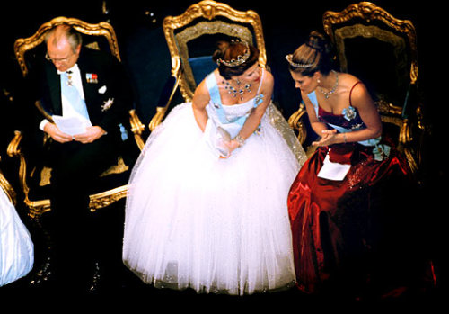 pogglepoppy:  King Carl Gustaf, Queen Silvia and Crown Princess Victoria of Sweden.