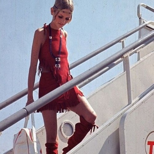 ✌️Twiggy #60s #fashion #inspiration #hippie #fringe #vintage #flowerchild #twiggy (at Shopcslosangeles.com)