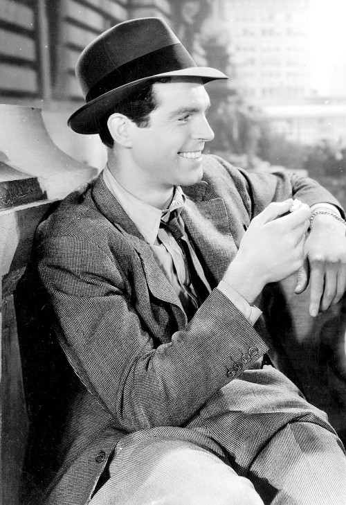 terrysmalloy:  Fred MacMurray in 'The Gilded Lily', 1935.
