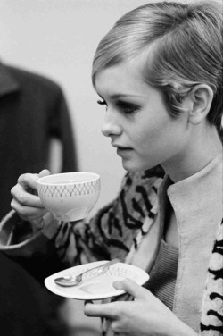 purple-affair:  Twiggy