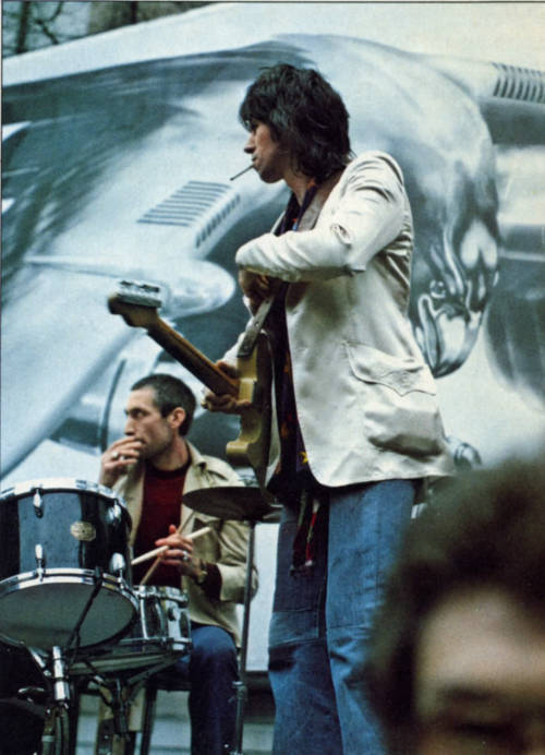 zombiesenelghetto:  Rolling Stones: Keith Richards and Charlie Watts onstage at Flatbed Truck NYC, photo by Waring Abbott, 1975