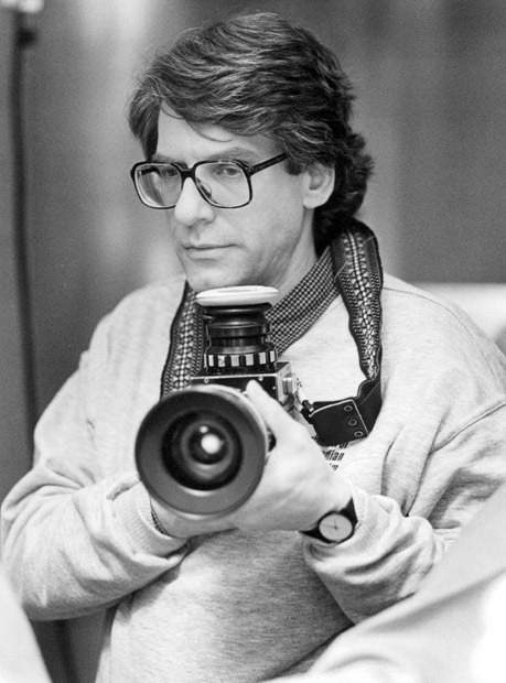 Director David Cronenberg on the set of Dead Ringers. The opening pages of the Twins / Dead Ringers script A Twins / Dead Ringers letter by Raffaella Di Laurentiis