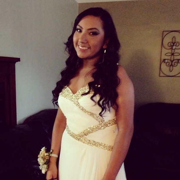 My beautiful cousin Gracie ready for her Senior Prom! 💃💄💋 #prom2013 #senioryear #classof2013 @gracciiieee