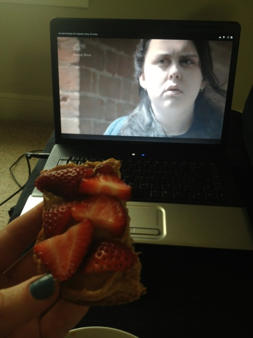 "Afternoon snack of pb & strawberries with my new addiction ""My Mad Fat Diary"""