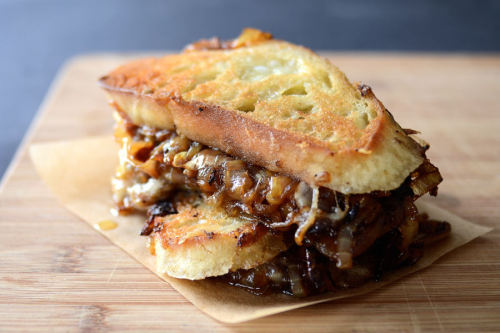 thedmoshow:  foodffs:  French Onion Soup Grilled Cheese Sandwiches  whut  ohmigod