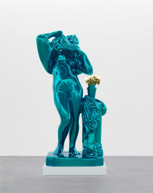 Jeff Koons now on view at Gagosian.