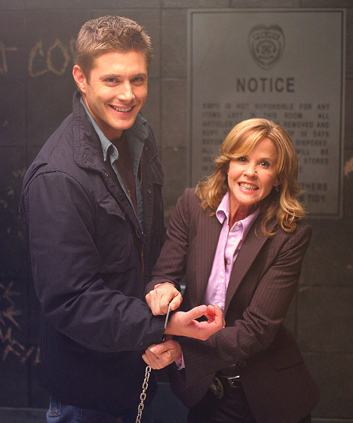 51/100 pics of Supernatural - Behind the Scenes