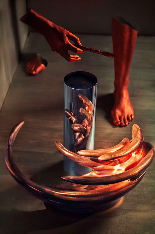 supersonicelectronic:  Jonty Hurwitz. The anamorphic sculptures of Jonty Hurwitz: Read More