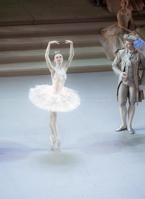Svetlana Zakharova in Sleeping Beauty (Photo: Nikolay Krusser)