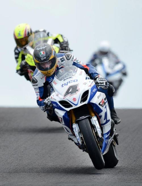 aussiegritandtheiceman:  NW200 - GM third fastest in Supersport on opening practice day. Photo: courtesy of TAS Racing. - Guy Martin