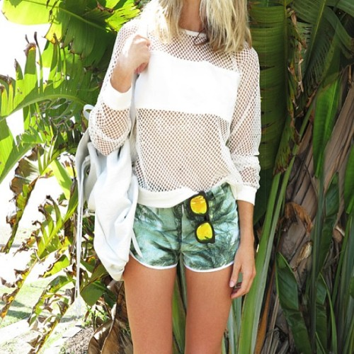 exoticlush:  mihnx:  youth-tide:  bahliss:  those Ksubi shorts :'(  this whole picture… love it  ✰   I never splurge but these shorts