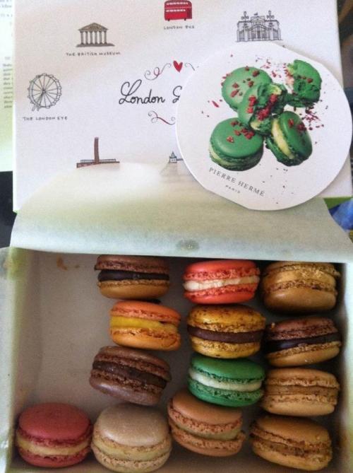 shoedy:  Pierre Herme  Forget about Laudree macarons! It's all about Pierre Herme! XD