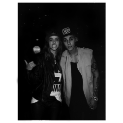 @justinbieber: out tonight w/ my baby ;) @barbarapalvin