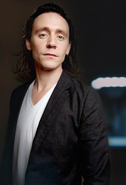tokismokes:  Loki because I wanted to do some manips ok.