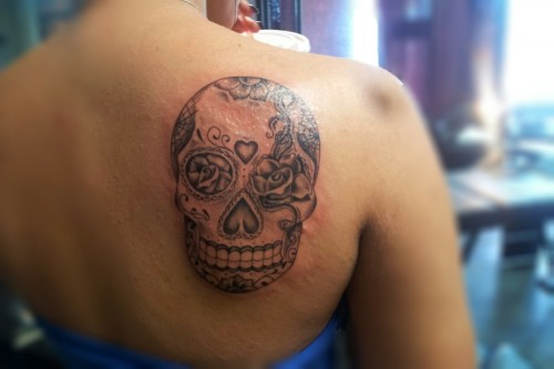 skullspiration:  Mexican sugar skull tattoo http://www.skullspiration.com/mexican-sugar-skull-tattoo-2/  Love this one.