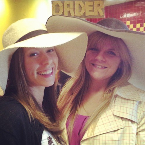 Besties in big hats.