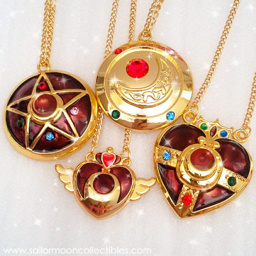 sailormooncollectibles:  I'm not usually a fan of unofficial merchandise but I'm a sucker for pretty jewelry! *o* if anyone's interested I have an extra first season locket & cosmic heart locket necklace available! msg me for details! ^^