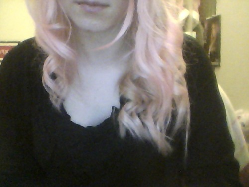 super boredom today led to me curling my hair look even more like a 5 year old now.