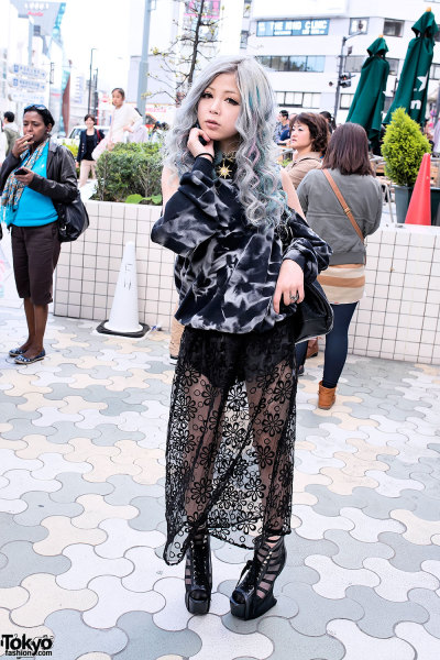 tokyo-fashion:  Silver hair (with pink & blue streaks), sheer skirt & heel-less wedges on the street in Harajuku.