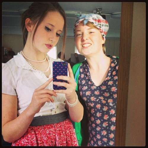 Me and @meg4npritch4rd #dressedup as #landgirl and #gingerbeergirl from the #1940s