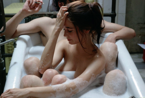 lecanarisestsurlebalcon:  Eva Green - The Dreamers (2003)
