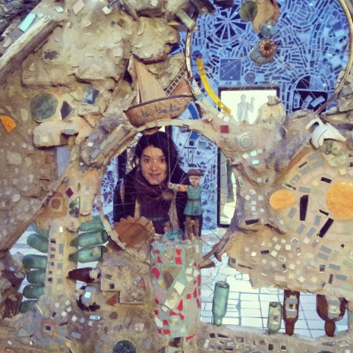 @tiannarounds hides at Philadelphia Magic Gardens