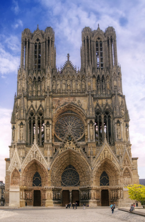 allthingseurope:  Reims Cathedral, France (by Wolfgang Staudt)