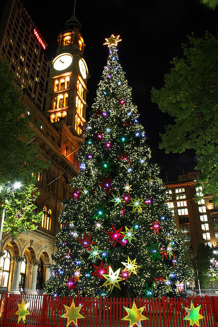 visitheworld:  The christmas tree in Sydney, Australia (by Eνє'ℓуηє).