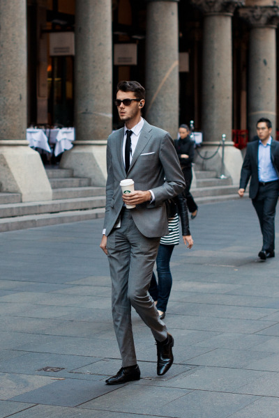 meninthistown:  Lungo. Similar look: J. Crew Ludlow suit jacket with double vent in Italian oxford cloth.