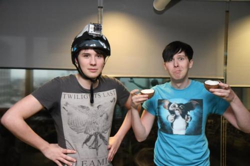 philsspoons:  jesus fucking christ I look up to these two adults