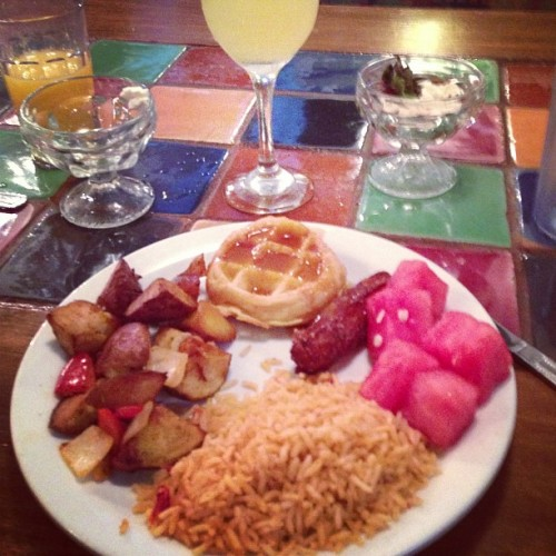 #nutritious #brunch #eltorito #yum #watermelon #potatoes #buffet #endless #bottomlessmimosa #may #mayphotoaday #photoaday #photoadaychallenge #day19 #daynineteen  (at El Torito)