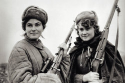greynotgrey:  Dust in the wind itsmywayorthehemingway:  Lady Snipers of the Red Army, WWII.