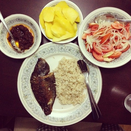 Good old Filipino dinner. Thanks mom!!! 😘