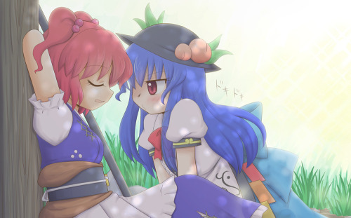 Komachi takes a nap while Hinanawi moves in.  By manaka toyomu.