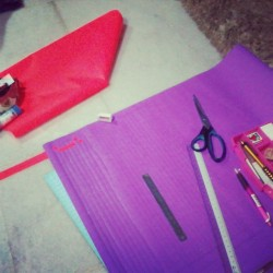 Helping my lil bro~ #exam #tikarkelarai #anyam #craft