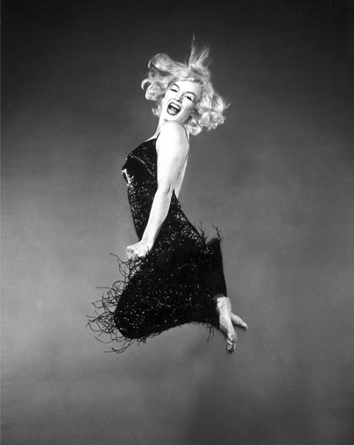 theniftyfifties:  Marilyn Monroe photographed by Philippe Halsman, 1959.