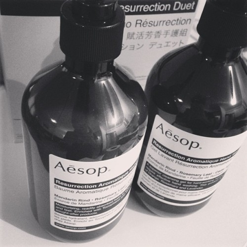 Have you ever heard of @aesopskincare? I love it, this is hand wash & a hand balm! 🙌