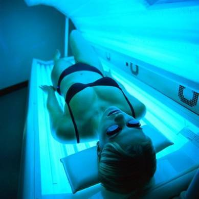 FDA wants cancer warnings for tanning beds (Photo: Getty Images stock) WASHINGTON - Indoor tanning beds would carry new warnings about the risk of cancer and be subject to additional regulations, under a proposal unveiled by the Food and Drug Administration. Read the complete story.