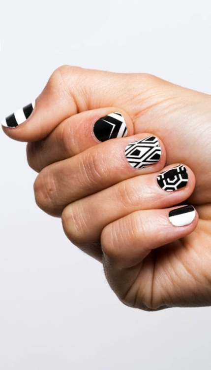 Your guide to applying nail wraps like a pro!