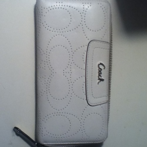 I just added this to my closet on Poshmark: Coach White Leather Wallet. (http://bit.ly/12p83EF) #poshmark #fashion #shopping #shopmycloset