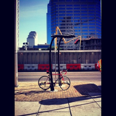 "Nü downtown #ATX ""arty"" bike racks in celebration of #BikeMonth. #BikeATX #commute #bikes #Bicycles #cycling #art #sculpture #rideyourbike #drinkgreatcoffee  #squaready"