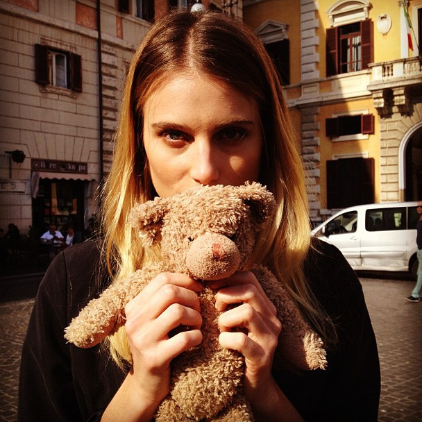 "About a Bear By Jenny Bahn  Dree Hemingway doesn't just model for Vogue. Here, the model poses with the cutest little teddy bear, reminding The Inside Source that we all have kids and cousins to buy holiday gifts for in less than two weeks! Melissa & Doug is a company that makes very popular bears, both large and small, that you can actually score on eBay. Check out the array of selections here. Disney's ""Lots-'o-Huggin'"" bear is on the wish list of many children, as is Gund's adorable ""Peek-a-Boo"" bear. When searching for teddy bears and other plus toys on eBay, here's a helpful tip: Research the specific type and brand that you want and specify in the search query, thereby limiting your results to just what you need and nothing you don't.  (Photo: Courtesy of Dree Hemingway via Instagram)"