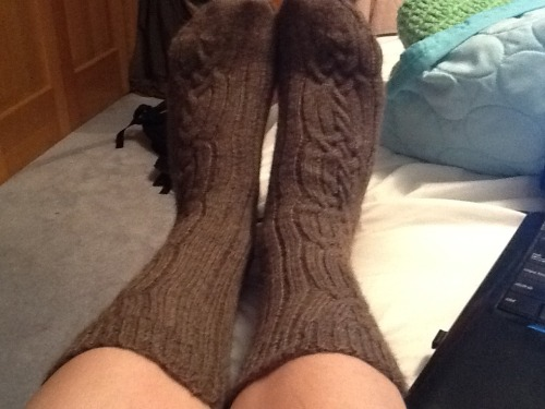 Almost a year later and I've finished my Paraphernalia socks! I initially started the project as a travel companion when I went to England last summer. Second sock syndrome hit me hard.