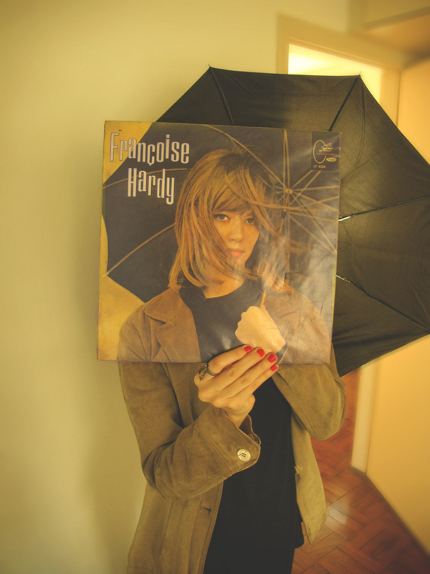 kogumarecord:  Under Françoise Hardy's umbrella ella, ella, hey hey | Sleeveface