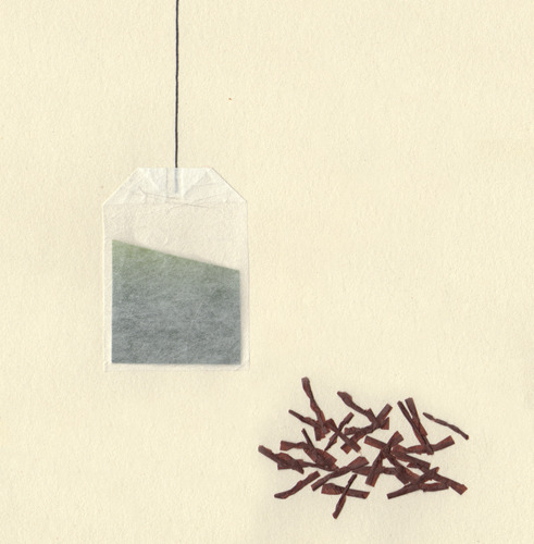 Tea bag & black tea leaves. © Alejandro Grima