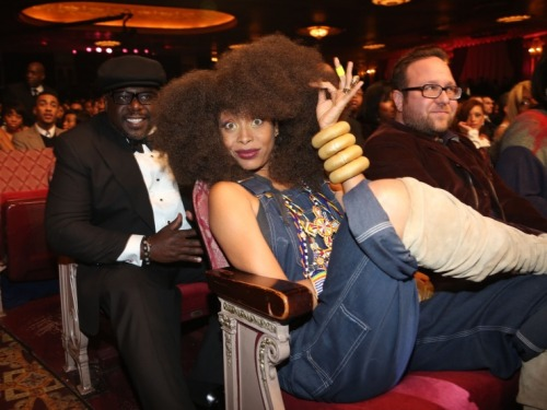 badu-ology:  E is such a clown. Love her!