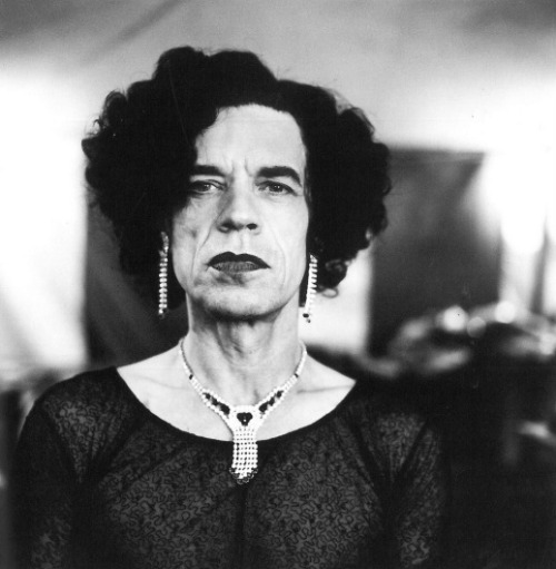 deepvneck:  mpdrolet:  Mick Jagger, 1996 Anton Corbijn  dowager countess of rock