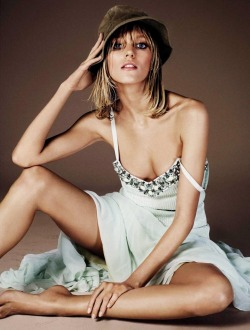 stormtrooperfashion:  Anja Rubik by Giampaolo Sgura for Vogue Spain, June 2013