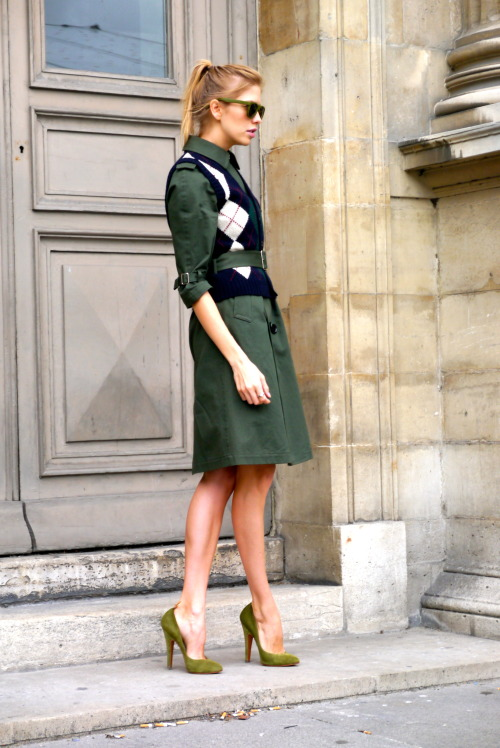 love those shoes!!! that color! neoretrostreetstyle